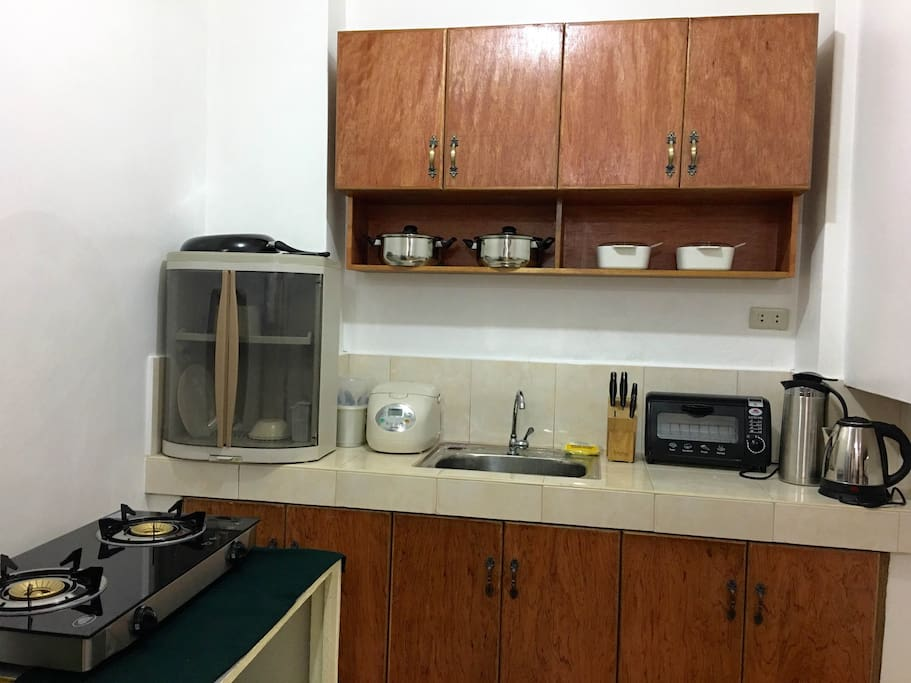 Complete Kitchen set: Rice cooker, Bread Toaster, Gas Stove, Electric Kettle, Cutleries, Frying Pan, Cooking pots