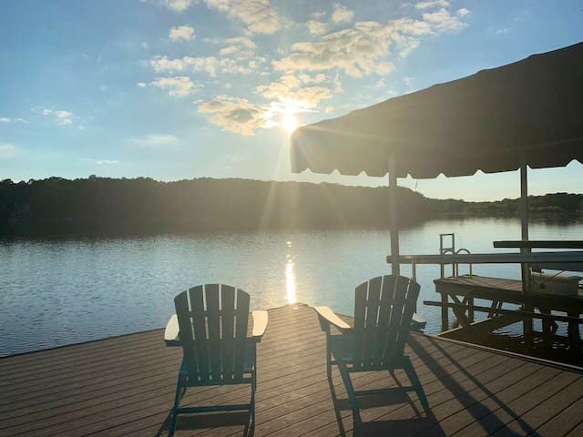 Lake Oconee Oasis near golf courses w/ Sunset View