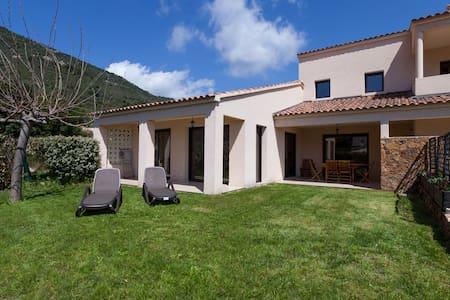 Villa 1 climatisée 140 m2 standing - Vico - วิลล่า