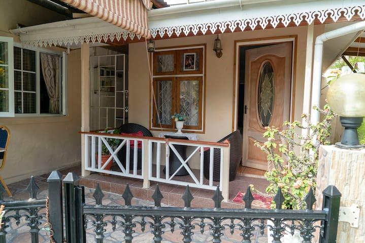 My corner guest corner 2