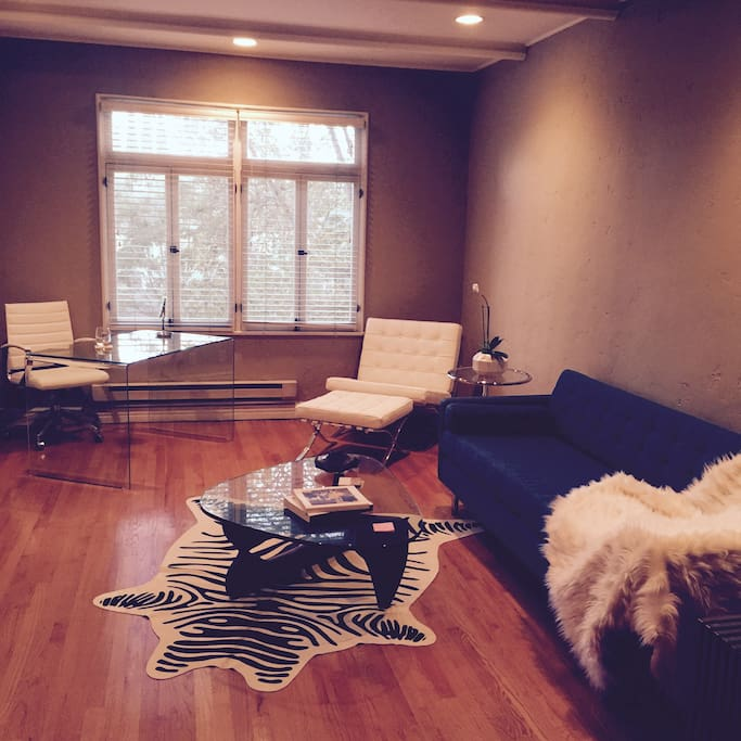 Living room has nice street views