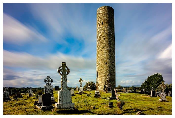 Meelick round tower. 10 mins away