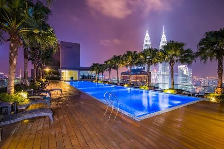 *ROOFTOP IS A PRIVATE CLUB  *ROOFTOP OFFICE RESERVE THE RIGHT TO ACCEPT OR DECLINE ACCESS REQUEST.  *GUEST TO PURCHASE DAILY PASS ON THEIR OWN DIRECTLY FROM OFFICE. * FEES 30 RM/ADULT/FULLDAY. *HOST IS NOT RESPONSIBLE FOR ROOFTOP ACCESS.
