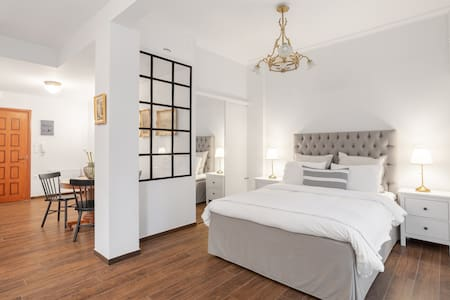 Head to Acropolis from elegant retro-chic Studio!