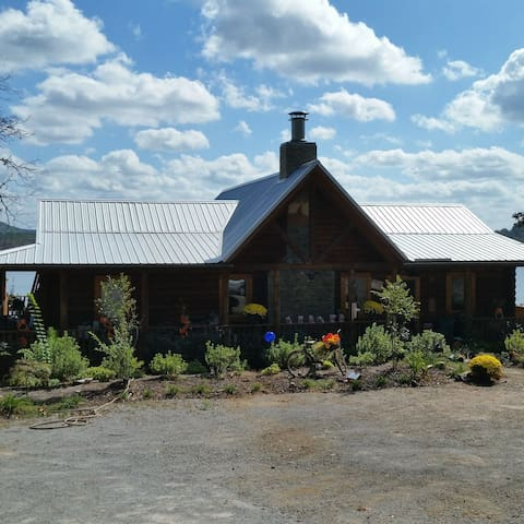 Eagles Nest Log Home overlooking Lay Lake