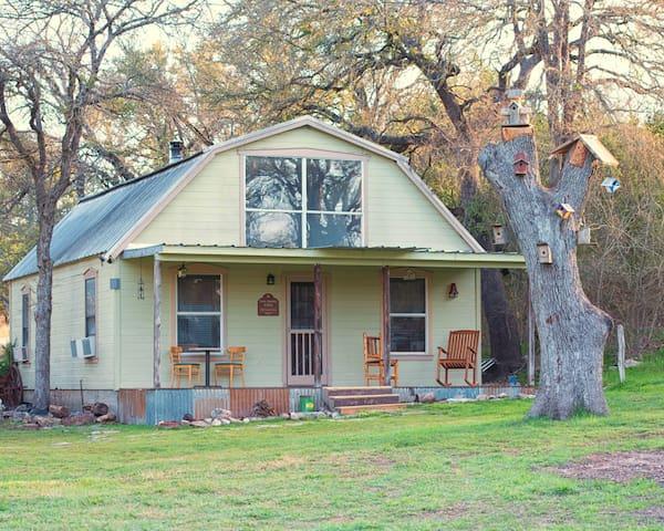 Peacock Cabins, Jane Austen Cabin - Gatesville - Rumah