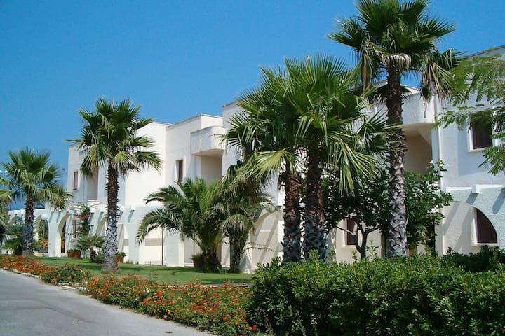 Knus appartement met balkon vlakbij het strand in Puglia