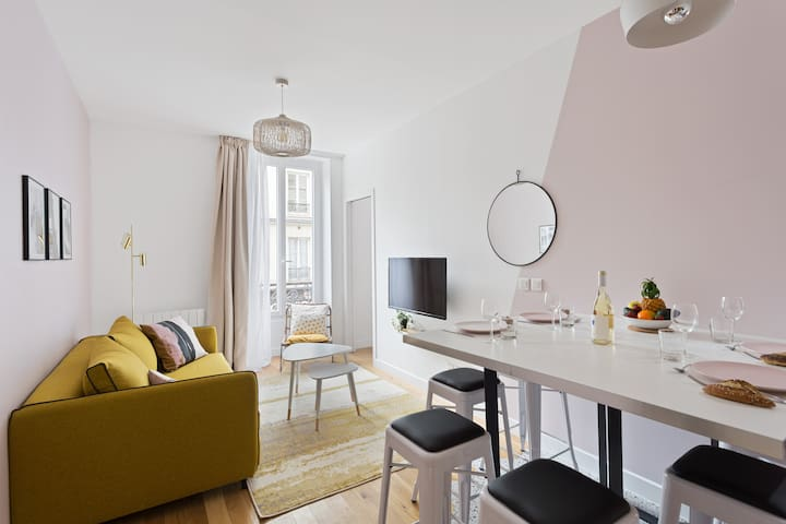 Very well decorated apartment in the Bastille