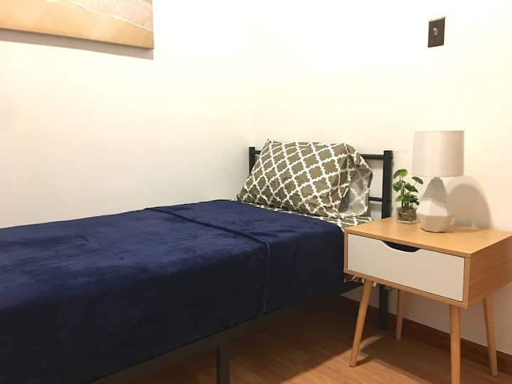 Cozy Small Room in House-Walk2PATH-20Minutes2NYC