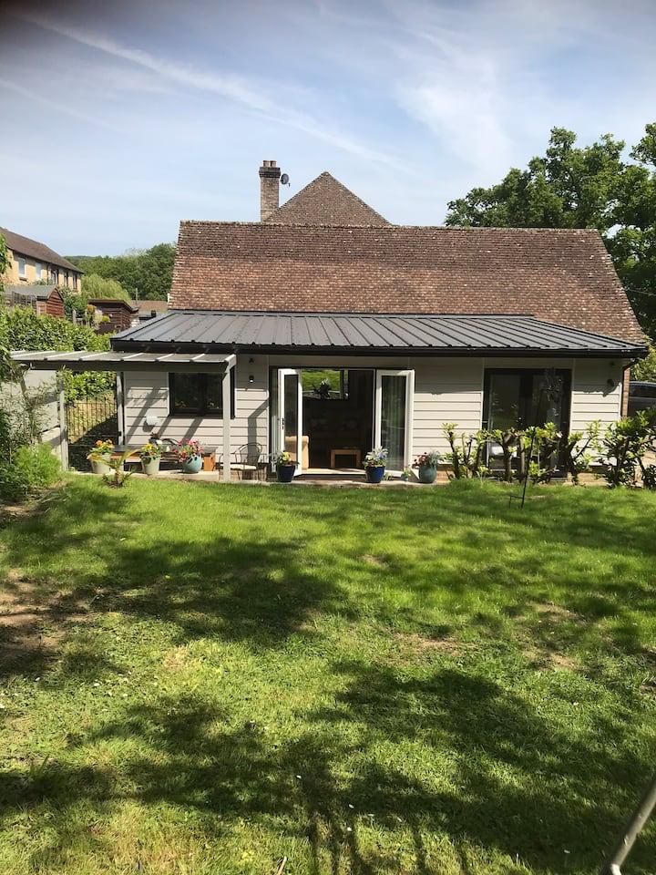 The Woodshed: Woodland Cottage in Fernhurst