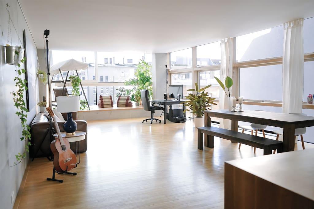 Riesiges Wohnzimmer (Huge living room)