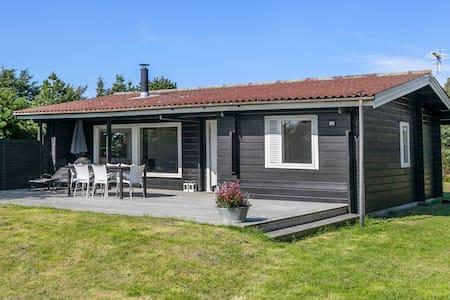 Sommerhus tæt på vesterhavet - Løkken