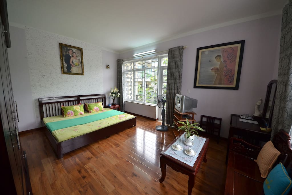 Master room with garden view