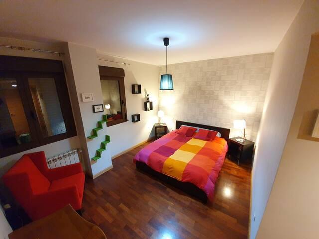Bienvenid@ a nuestra casa, tu habitación III