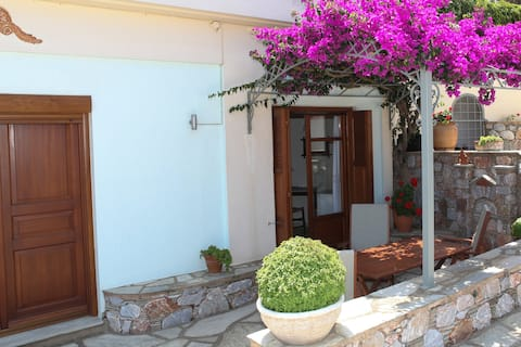 Anerousa Sea View Studio Apartment, Skopelos