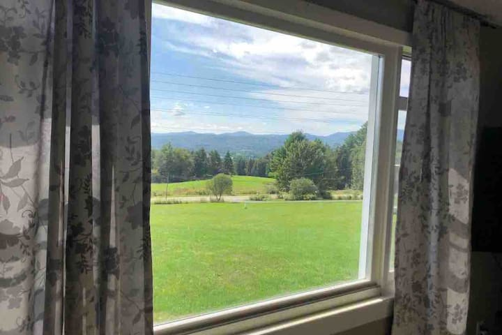 Cozy home, Beautiful Views- Outside of Stowe, VT