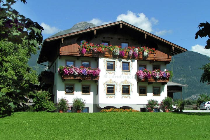 Detached house at the start of the Zillertal in the village of Strass.