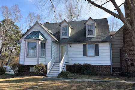 Entire town home - 1bd/1ba off I-95 & 64, Rocky Mt