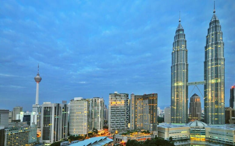 Spacious KLCC Twin Towers Luxurious Suite