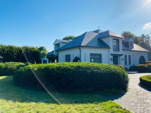 Luxueuze, private villa met verwarmd buitenzwembad