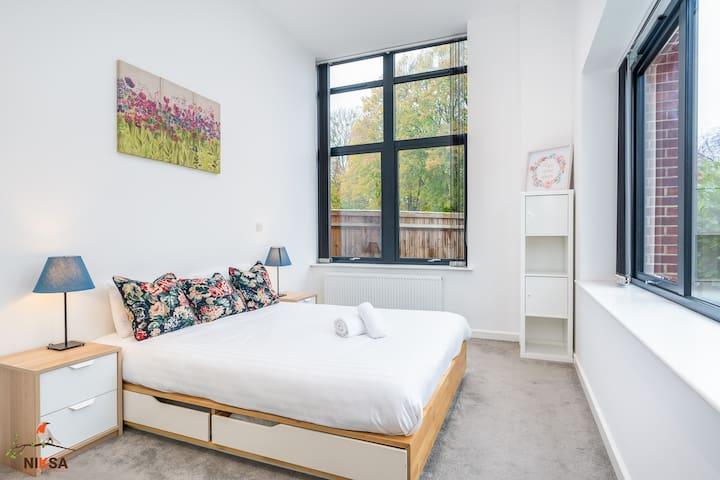 Niksa Serviced Accommodation - Entire flat