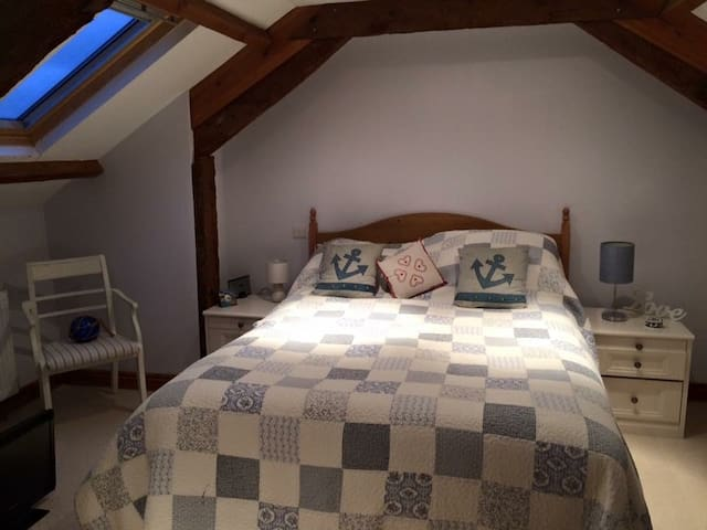 En-suite room in Converted Barn -Tamar Valley - Saint Mellion - Loteng Studio
