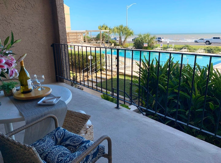 The ShoreHouse|Ocean Front View|2 Bed And 2 Bath!!