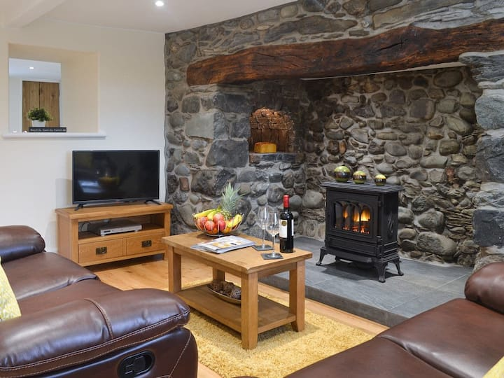 A Traditional Welsh Cottage with luxury.