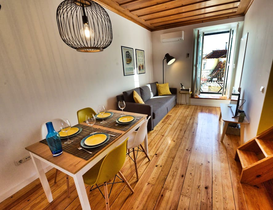 Living&Dining - Whole Room