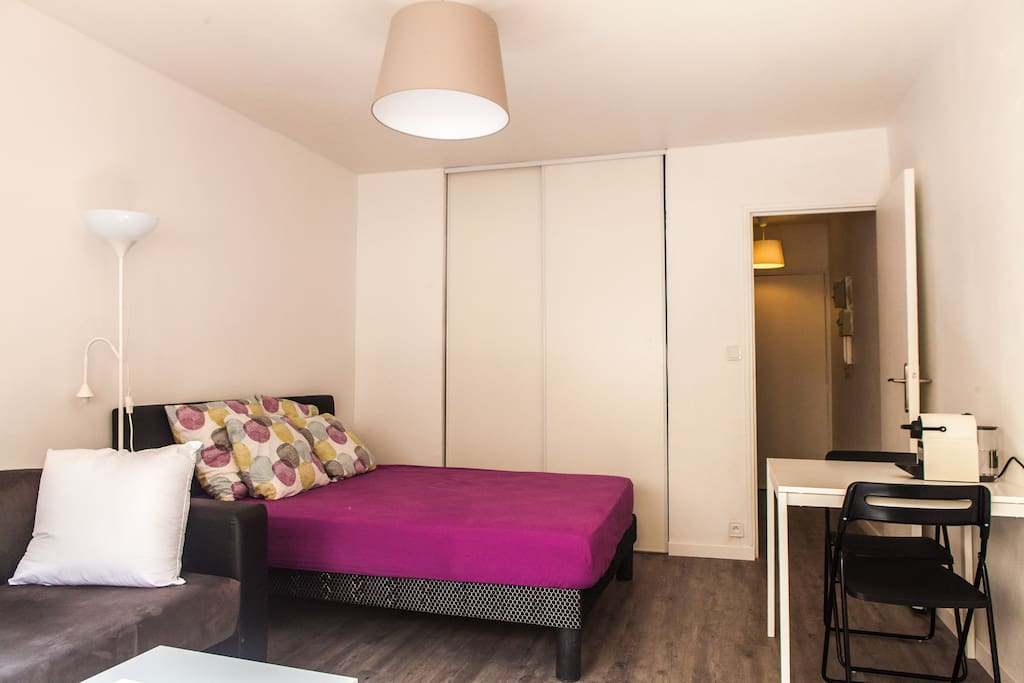 Confortable studio dans les quartiers chic 5 for Logement studio bordeaux