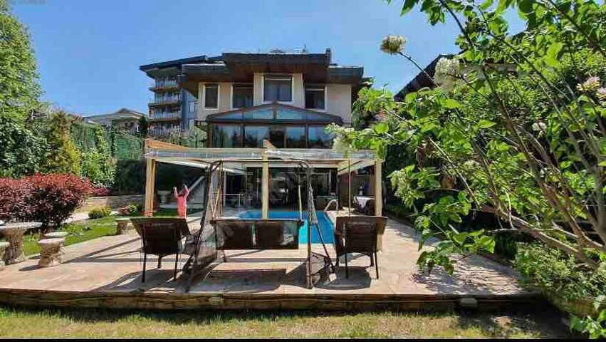 villa at Bosphorus view hotwater pool extra charge