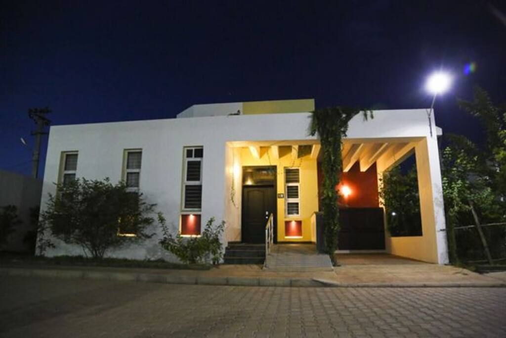 Homestay pondicherry 2 bhk villas for rent in in india for Villas in pondicherry with swimming pool