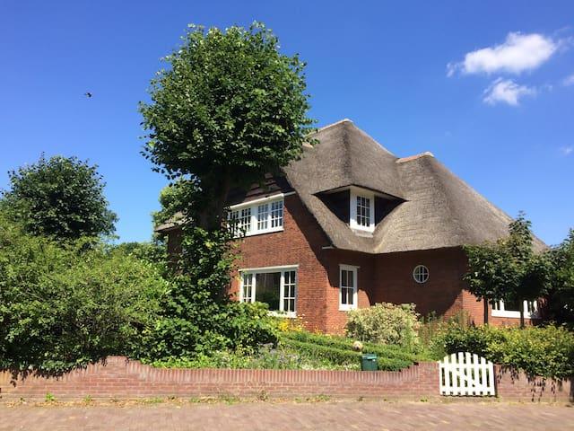 Villa, 30 min cycling to GP circuit Zandvoort F1