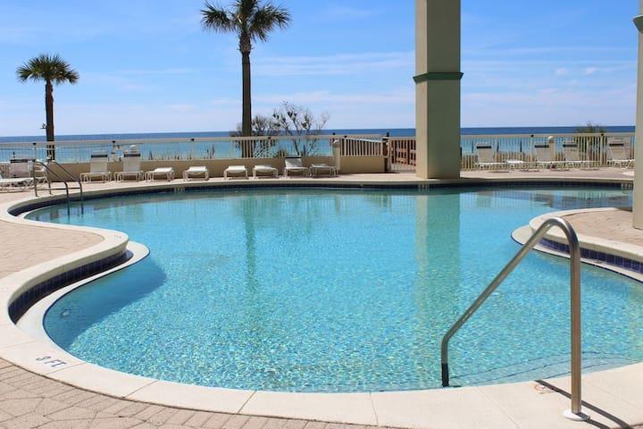 Gulf Coast Beach Getaway ~ Open 2020 +Beach Chairs