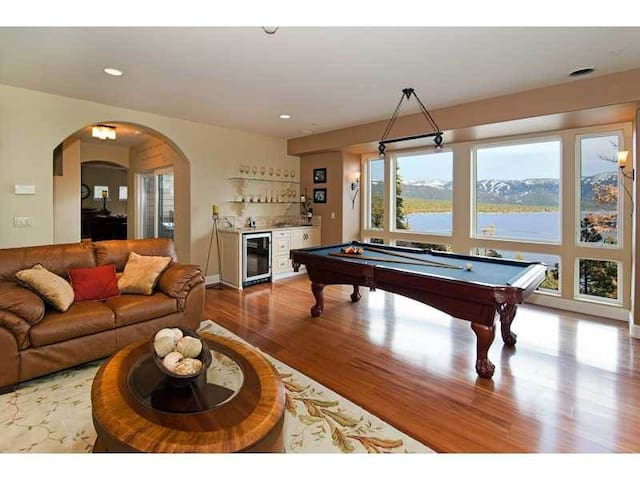 Luxury Tahoe Home; Majestic Views Sleeps 13/9 beds - incline village  - House