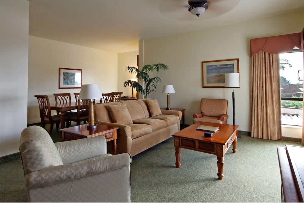 Wyndham Royal Sea Cliff - Suite Living Room