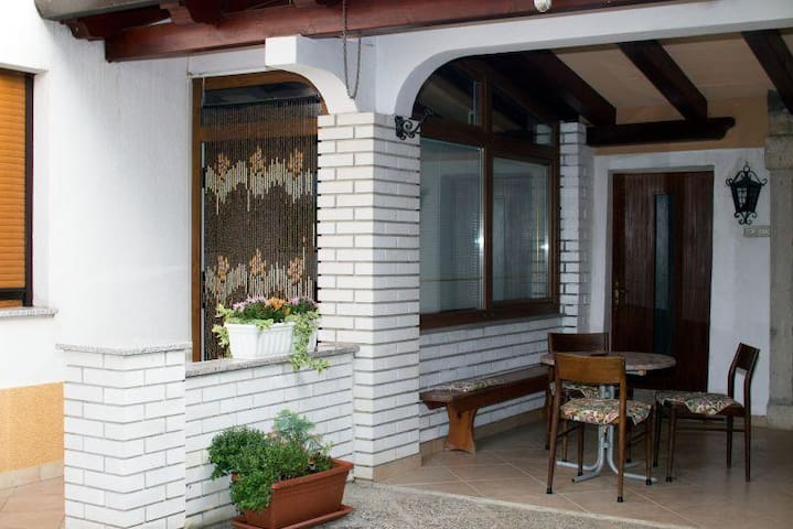★Suite★with 2 bedrooms for 5 people near Koper