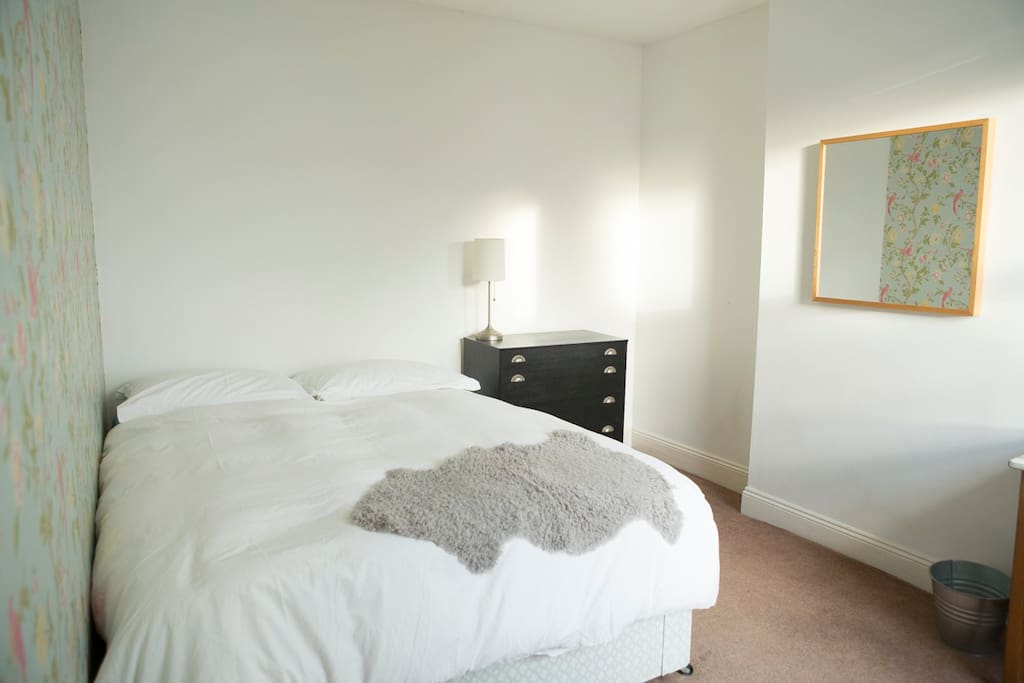 Big double bedroom, south facing, warm and sunny room