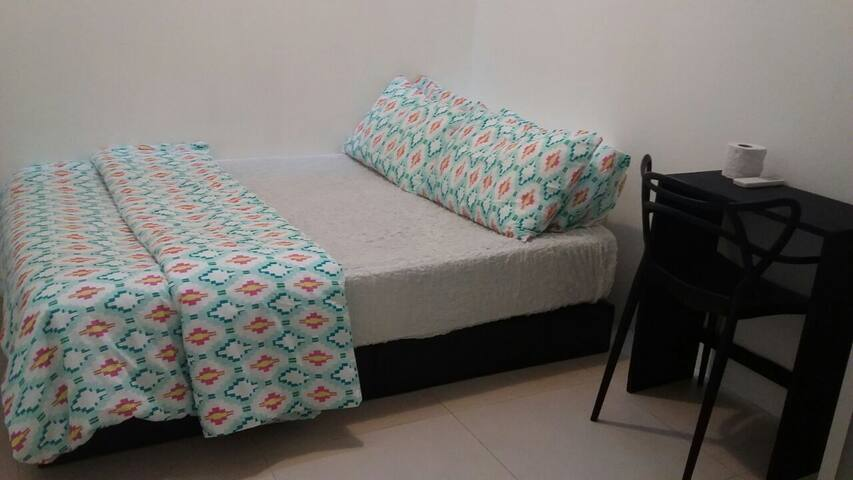 Skylight Cosy Room in Orchard (2), No Host Staying - Singapur - Ev