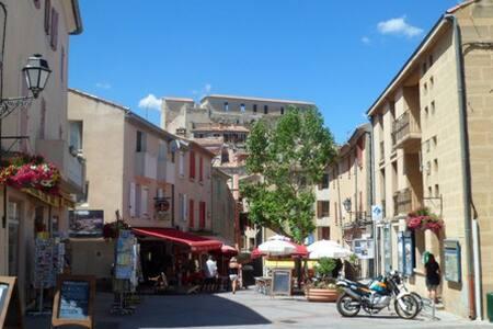 Maison calme dans le centre proche Cures Thermales - Gréoux-les-Bains