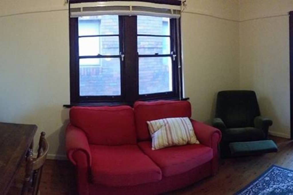 Living room (with TV)