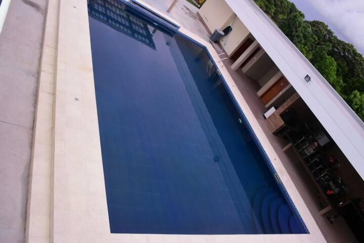 Villa moderna para descanso y relax