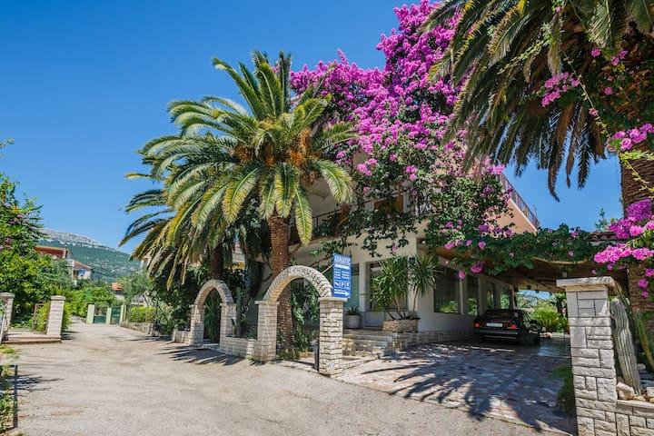Room Estera - Pansion Adriatic (30m from beach) - Kaštel Stari - Casa