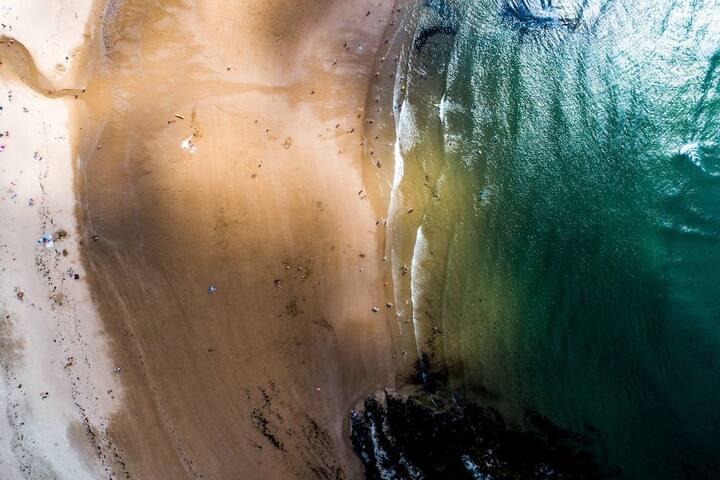 AMAZING VIEWS Main Beach  - 2 Bed Apt.
