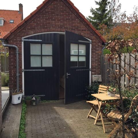Vrijstaande studio in Overveen - Overveen - Chalet