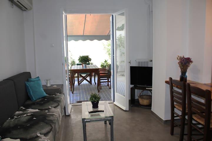 living room opens to garden