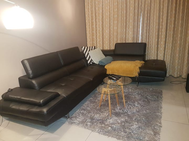 Neat & secure apartment in Honeydew