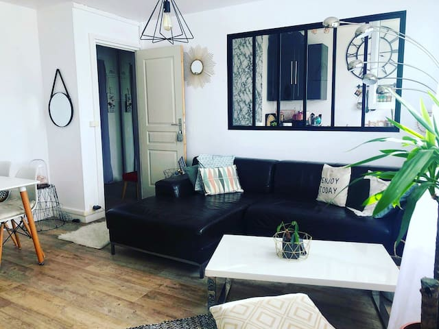 Cozy flat 15 min to central Paris