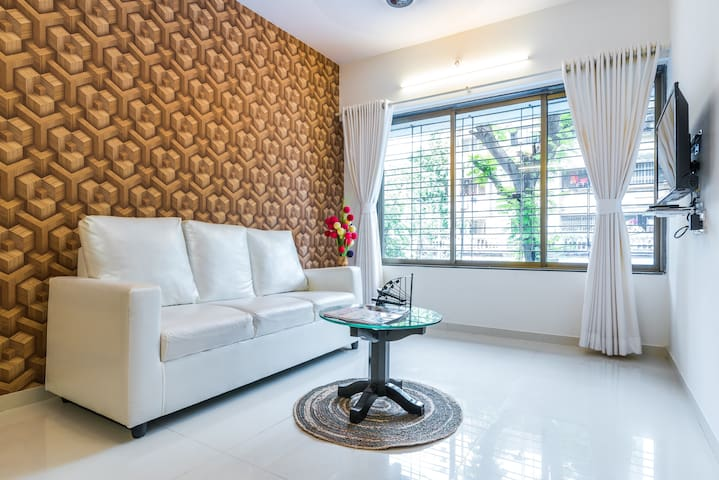 Timber Style 1 BHK suite