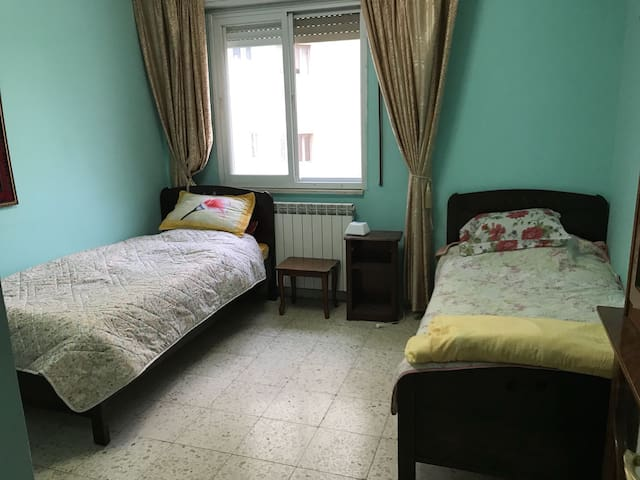 Room two beds room available Airbnb